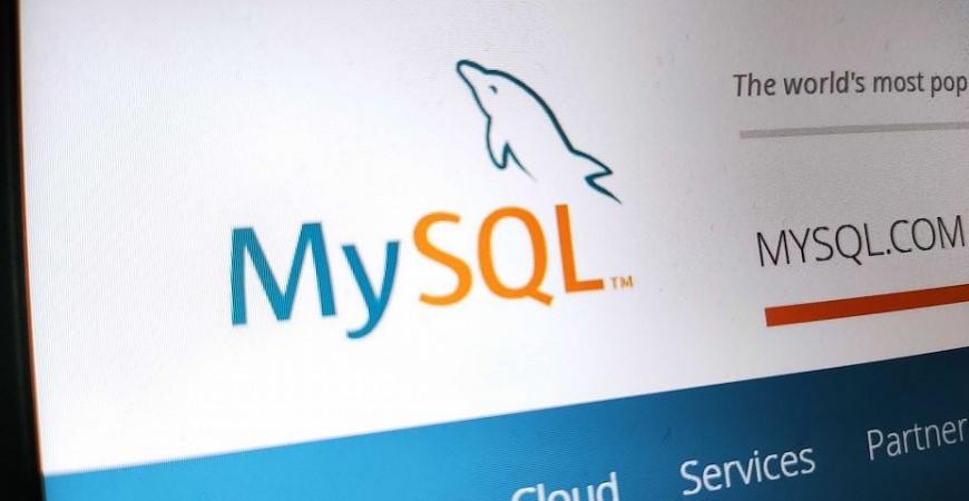 """MySQL pozbywa się """"master"""" i """"slave"""" z kodu."""